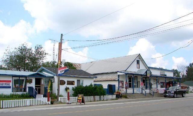 File:Cloyne, Ontario.jpg