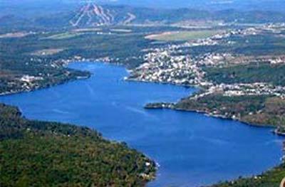 File:Lac-Etchemin, Quebec.jpg