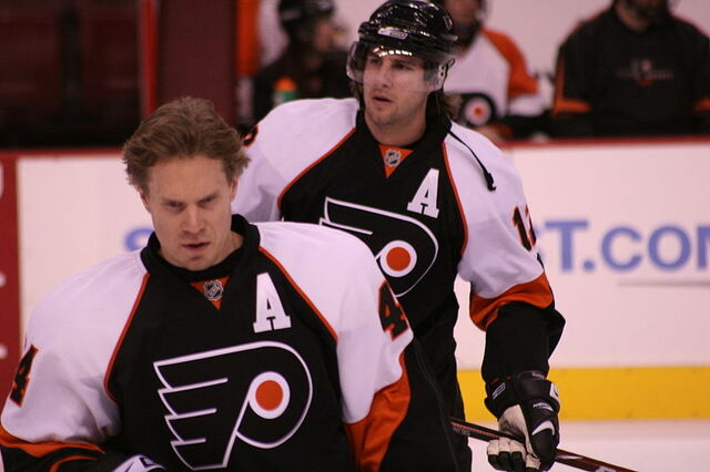File:Timonen and Gagne.jpg