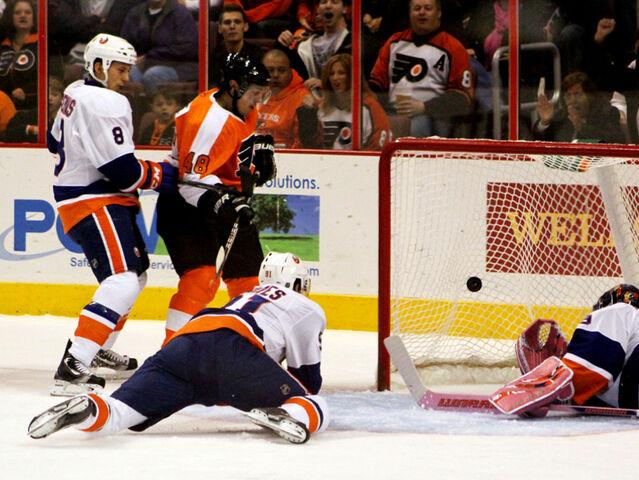 File:Daniel Briere goal 2010-10-30.jpg