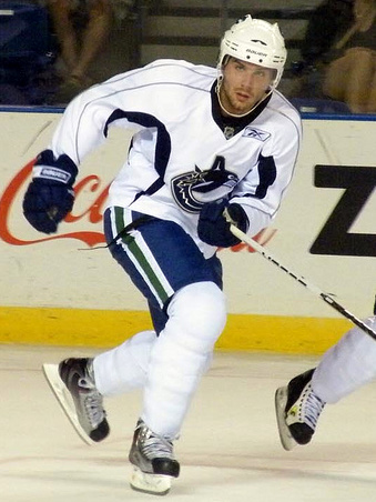 File:Steve Bernier 2009 training camp.jpg