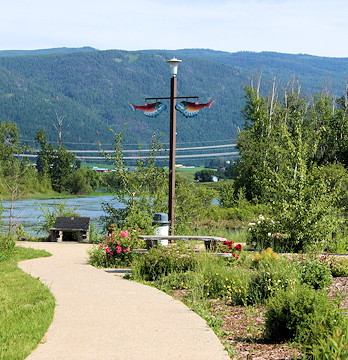 File:Enderby, British Columbia.jpg