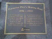 Deys plaque