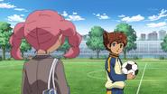 Yuuka talking to Tenma
