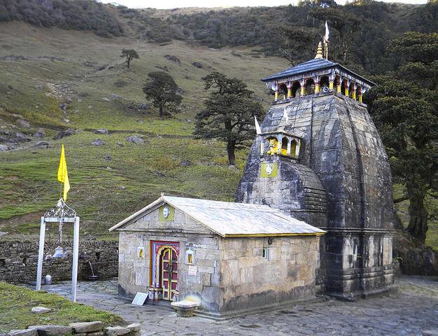 File:Madhyamaheshwar Temple, Uttarakhand.JPG