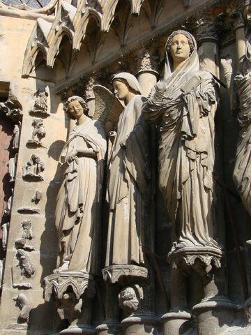 File:Annonciation portail Reims.jpg