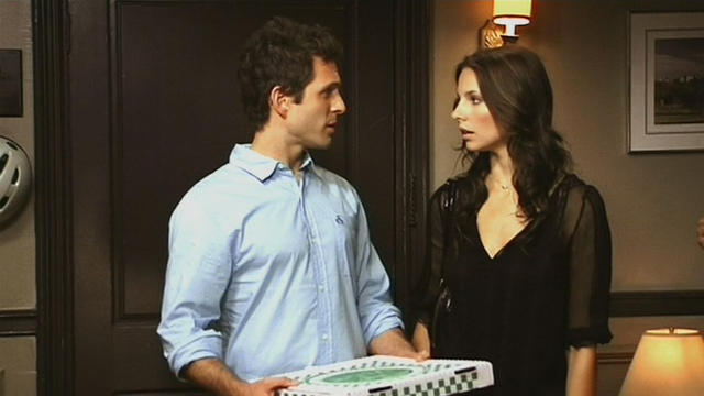 File:5x10 Dennis Caylee with pizza.png