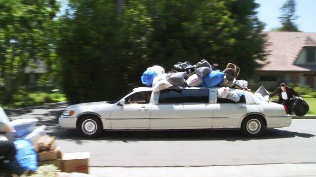 File:Trash-limo.jpg