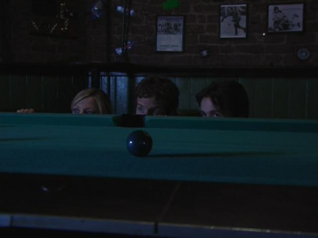 File:1x5 Mac Dennis Dee hiding.png