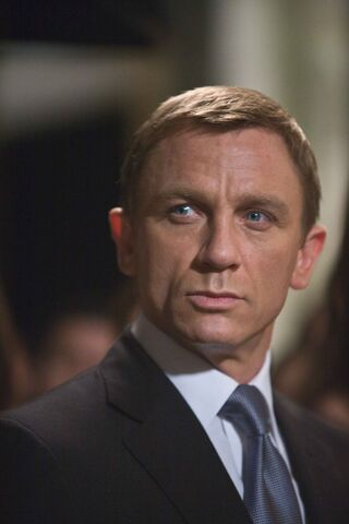 File:Quantum of Solace - Bond 9.jpg