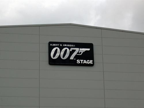 File:007 Stage.jpeg