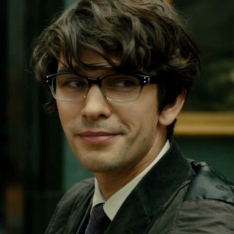 File:Q (Ben Whishaw) - Profile.jpg