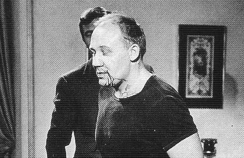 File:Lazenby breaks Yuri Borienko's nose.jpg