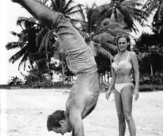 File:Andress connery on set of dr. no 5.jpeg