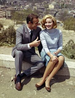 Sean Connery and Daniela Bianchi (promotional photo) (1)