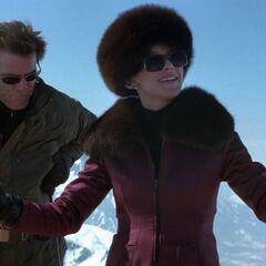 Bond and Elektra take to the slopes.