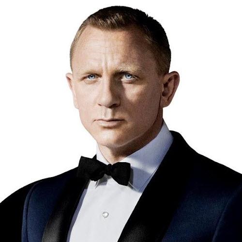 James Bond (Daniel Cra...