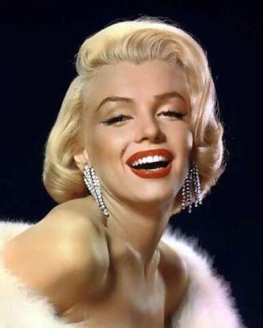 File:Marilyn-Monroe 17.jpg