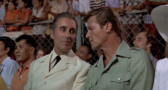 File:TMWTGG - Bond and Scaramanga meet.jpg