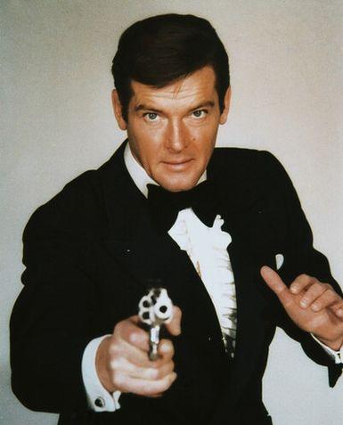 File:Bond - Roger Moore - Profile.png