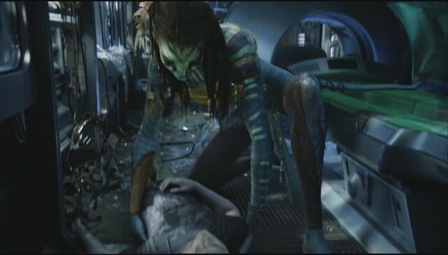 File:Neytiri saves Jake 5.jpg