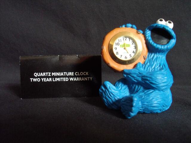File:Fantasma cookie monster clock.jpg