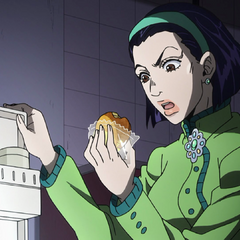 Tomoko blames Josuke for eating her Kamakura Custard.