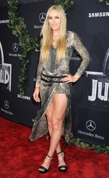 Lindsey-vonn-attends-the-jurassic-world-premiere-in-hollywood 2