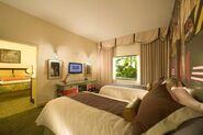 Universals-Loews-Royal-Pacific-Resort-Suite-10
