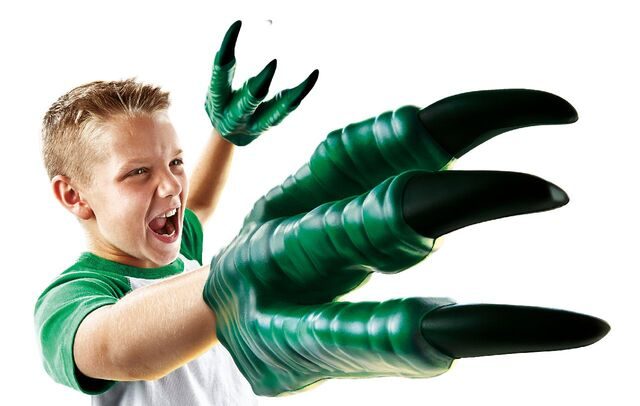 File:Jurassic-world-raptor-claws-1.jpg