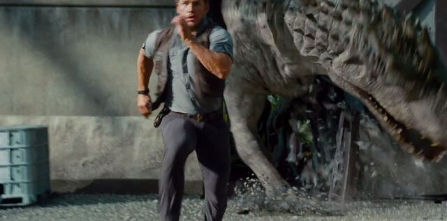 File:New-jurassic-world-trailer-gives-us-a-better-look-at-the-terrifying-indominus-rex-univers-366813.jpg