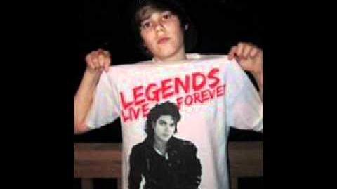 Justin Bieber sings part of rockin' robin