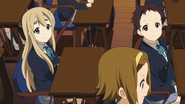 Ritsu searching for somebody else to play Juliet