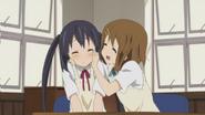 Azu-nyan and Yui-senpai