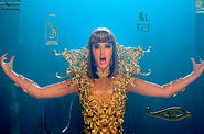 Katy-perry-dark-horse-6-video-650-430