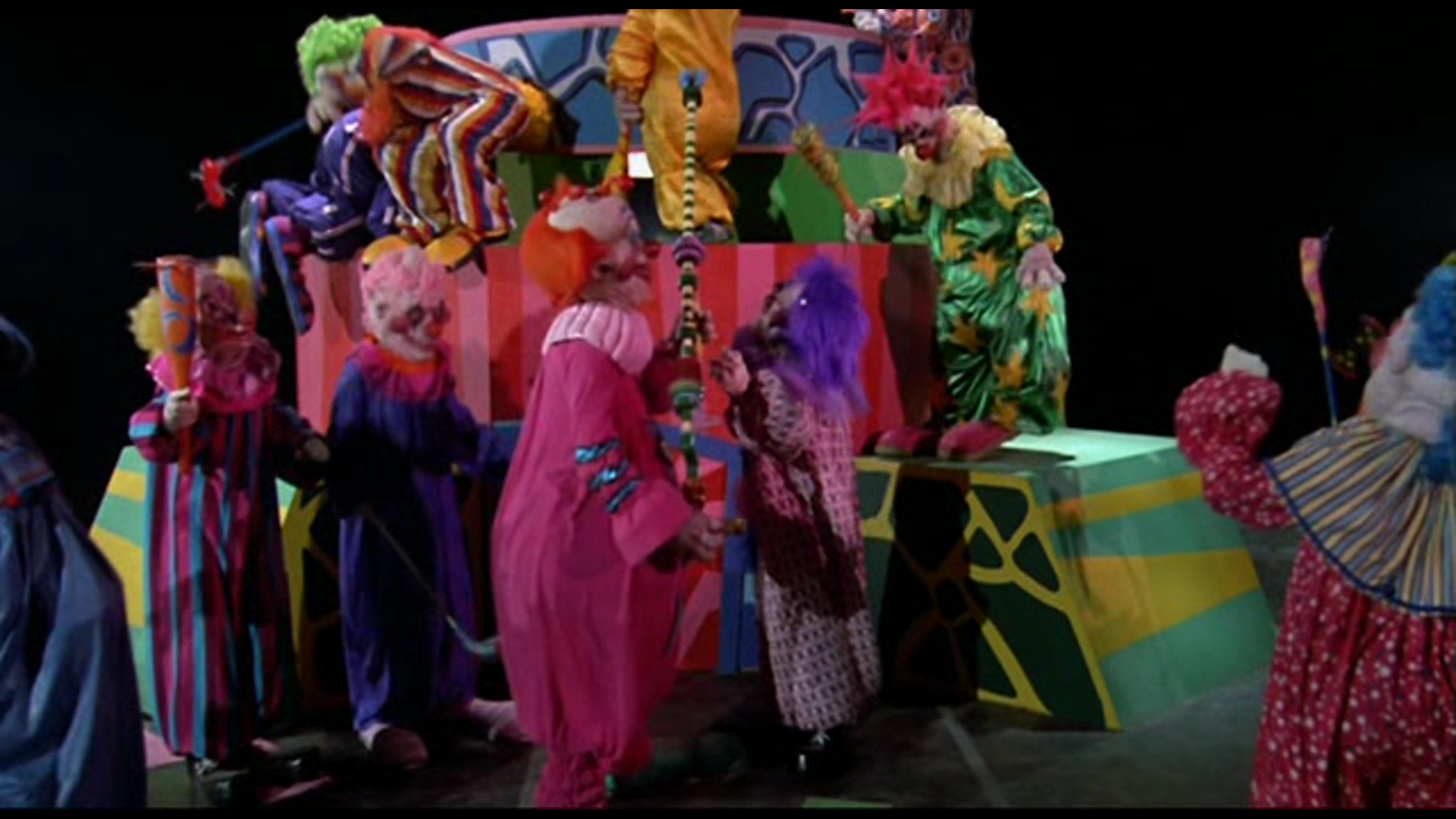 Image killer klowns screenshot killer klowns for Return of the killer klowns from outer space