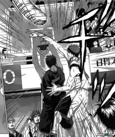 File:Kagami blocks Aomine.png