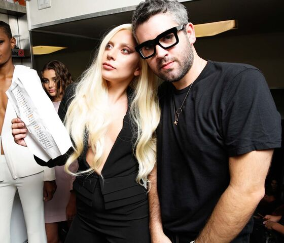 File:09-14-2015 Backstage at Brandon Maxwell's Fashion Show in NYC (4).jpg