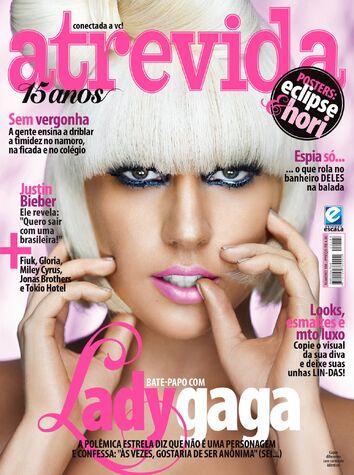 Fichier:Atrevida Magazine Brazil April 2 2010.jpg