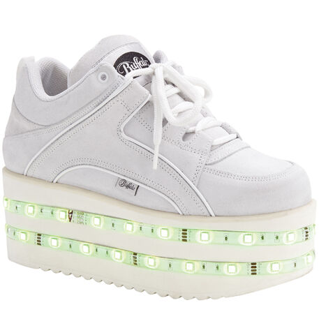 File:Buffalo - LED light trainers.jpg