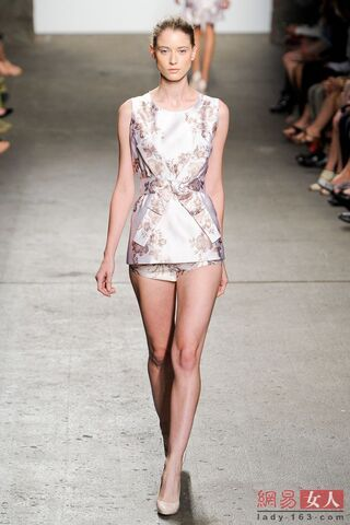 File:AH - Spring Summer 2012 RTW - Floral blouse.jpg
