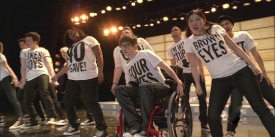 File:Glee-2x18-born-this-way-560x280.jpg