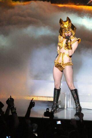 File:Gaga monster ball at orlando 1-3-10.jpg