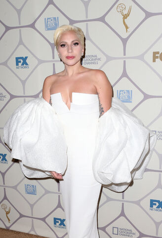 File:9-20-15 At Emmy Awards Afterparty in LA 002.jpg