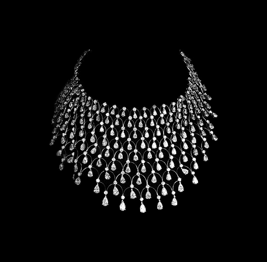 File:Jacob & Co. - Pear shape and round cut diamonds (58.84cts).jpg