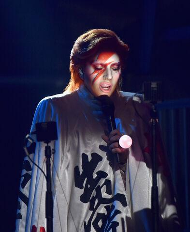 File:2-15-16 Performance at 58th Grammy Awards in LA 001.jpg