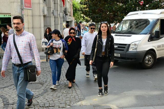 File:9-16-14 Out and about in Istanbul 001.jpg