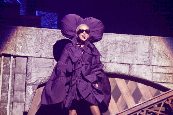 File:The Born This Way Ball Tour Just Dance 005.jpg