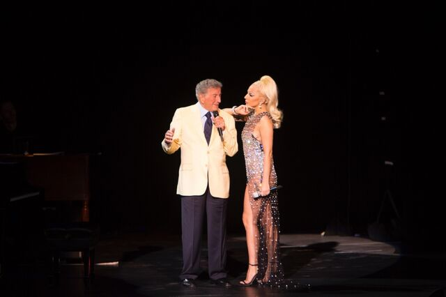 File:7-25-15 Cheek to Cheek Tour 001.jpeg