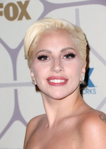 File:9-20-15 At Emmy Awards Afterparty in LA 003.jpg